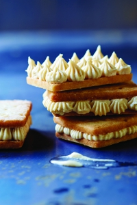 cookie_4-fleur-de-sel-shortbread-with-vanilla-halvah-cookie